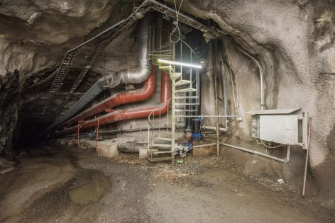 kuvitus_suomenlinnan_tunneli2