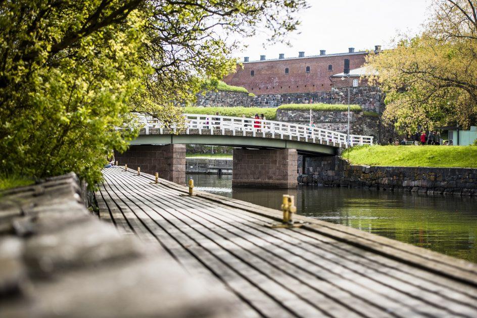 kuvitus_silta